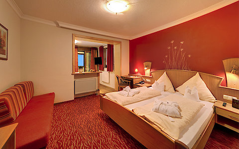 Familienzimmer Geißlein im 3-Sterne Superior Hotel in Zachenberg