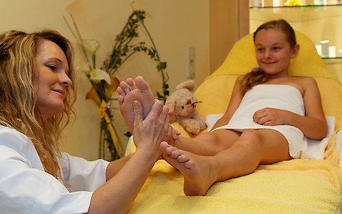 Fußmassagen für Kinder im Wellnesshotel Weber